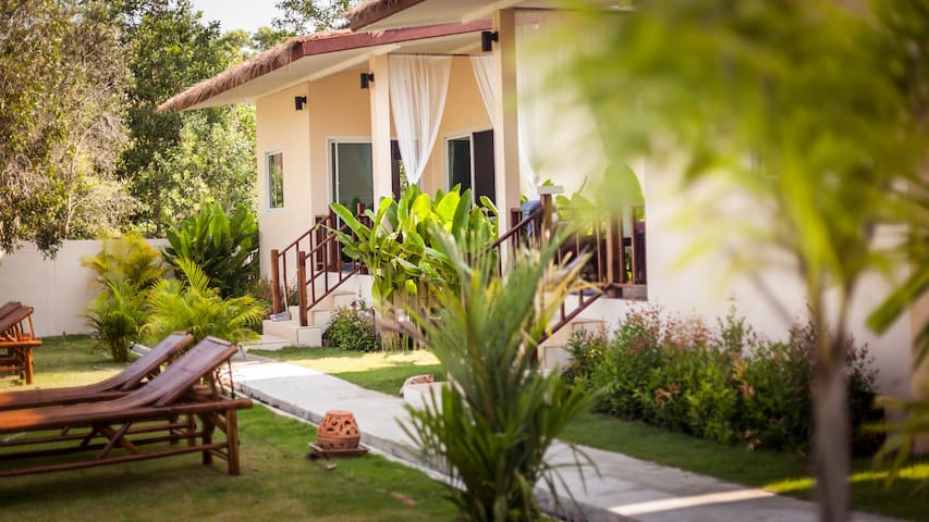 Coco Lilly - One Bedroom Garden View Villa