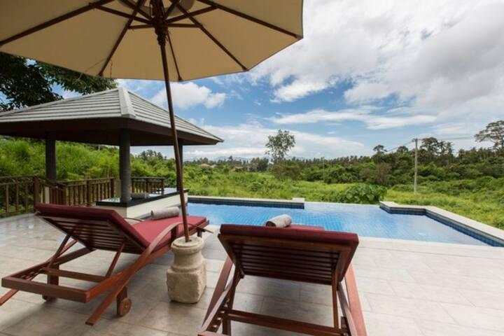 Luxury Pool Villa Baan Natcha
