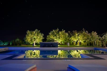 Villa Shanti - Koromačno