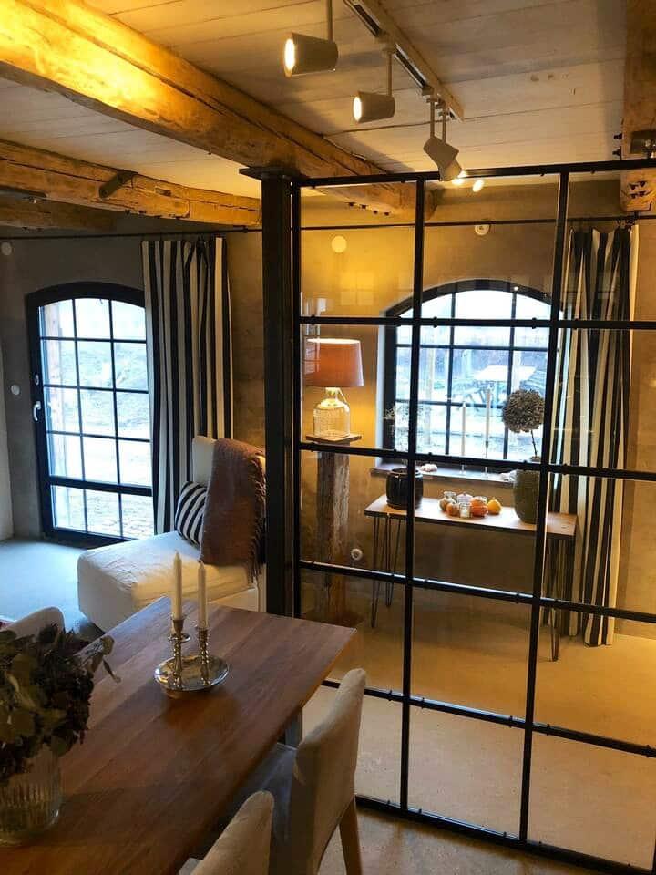 Unik och rustik stall-lägenhet på Brännans Gård
