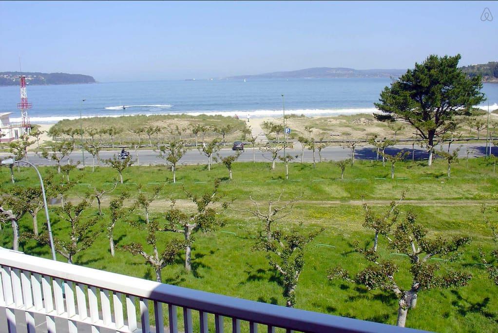Terraza vistas a la playa