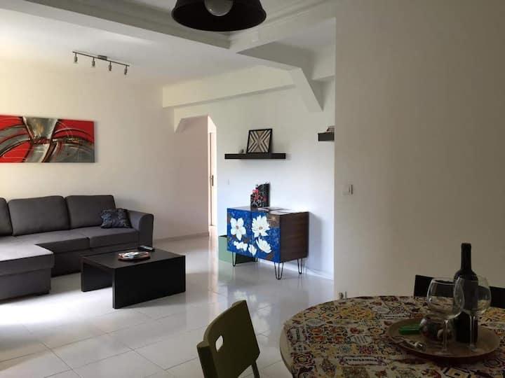 Cascais Estoril 1 BR Apartment 1300M to the beach