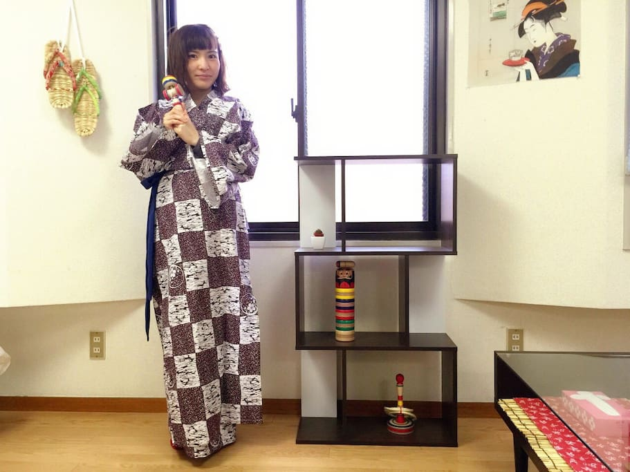 Free rental of 2 pairs of yukata. Chill out with traditional JP clothes. (Model + other Japanese toys are NOT included)