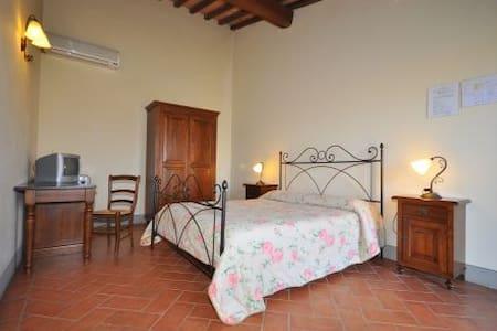 Deliziosa camera matrimoniale con bagno e doccia - Cerreto Guidi - Andet