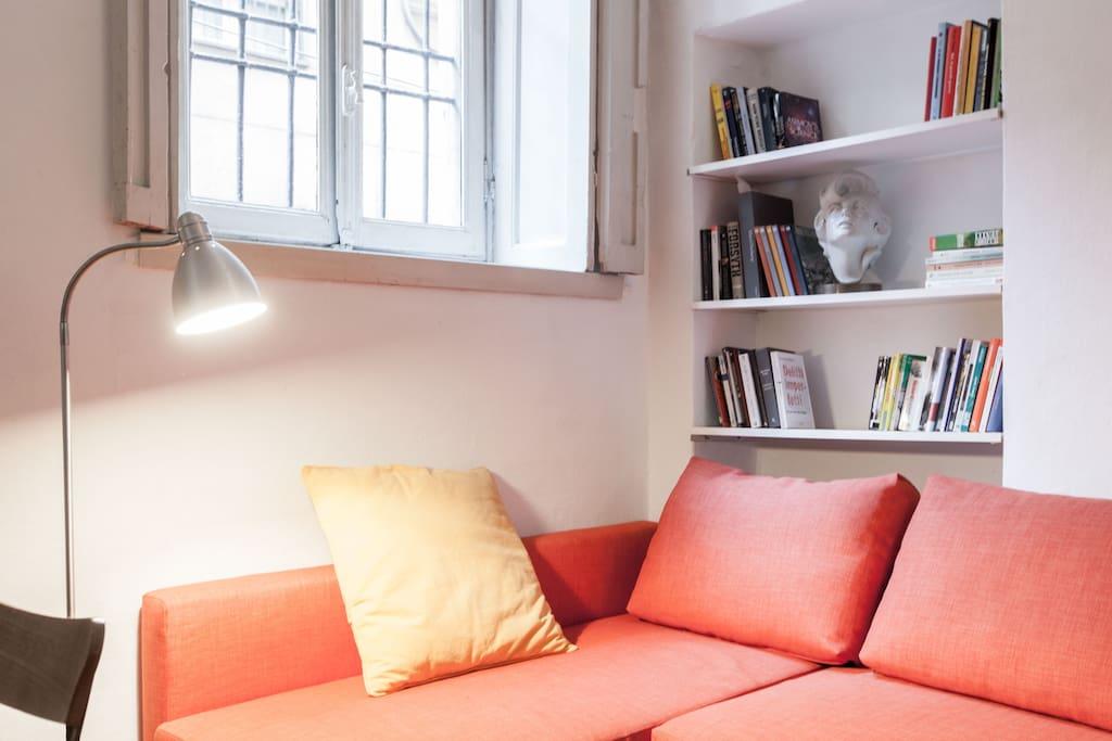 Open space split level in duomo appartamenti in affitto for Centro soluzioni airbnb