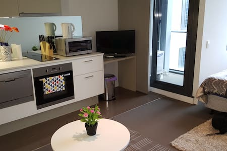 Central CBD Studio! Furnished in a great Location - Melbourne - Apartment