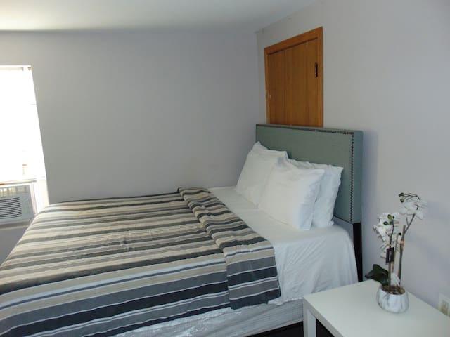 Comfy 1 bedroom apartment, parking, Wi-Fi, fruits