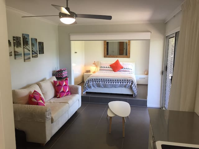 Sunny Self-contained Retreat - Nambour - Apartment