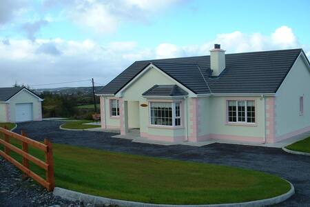 Breenymore Cottage,Co. Donegal,WiFi - Inver