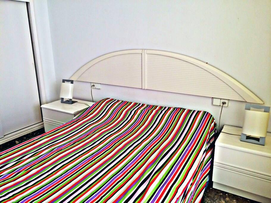 Main room (Queen size bed).