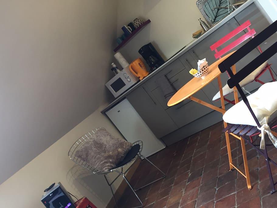 studio 15m2 appartements louer dijon france. Black Bedroom Furniture Sets. Home Design Ideas