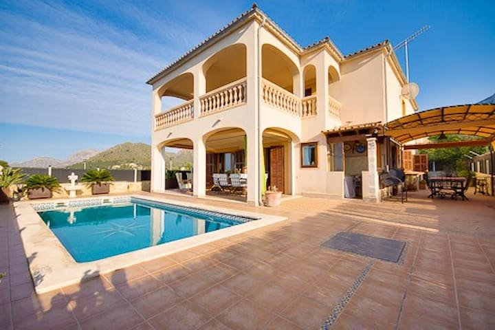 Villa with pool and sea views.
