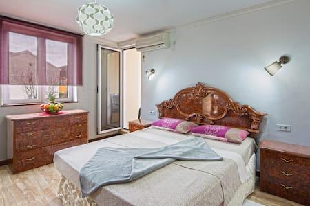 Comfort Double room with balcony - 아파트