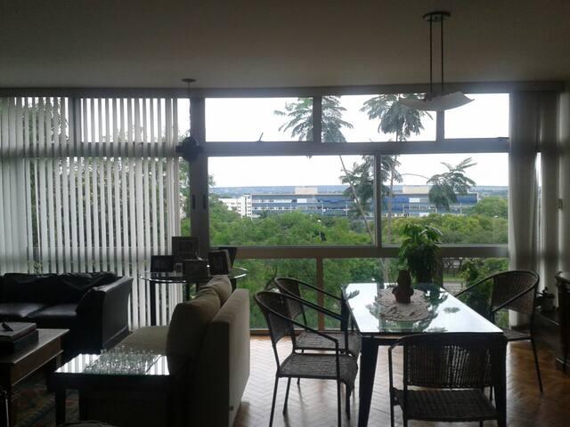 Vista linda e excelente localizacao - Brasília - Appartement