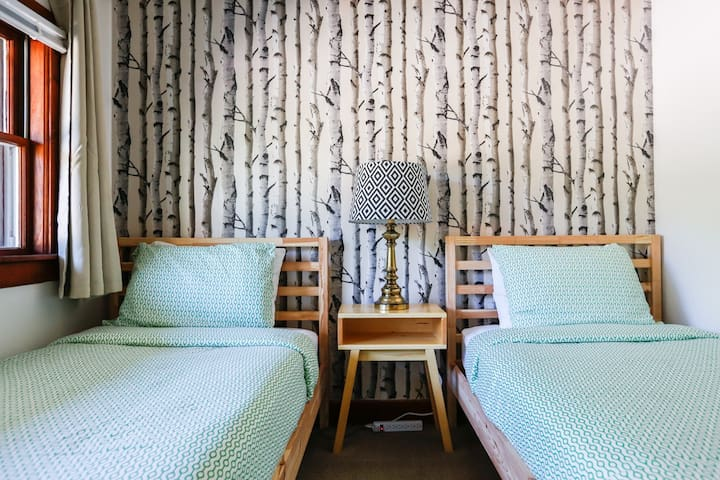 Twin Room, Merrybell Motel near Camden and Belfast