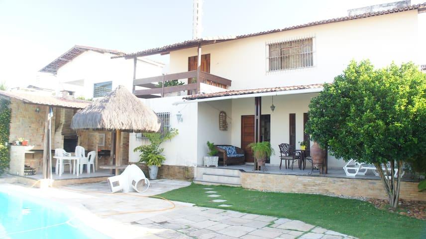 Casa:200mts da praia/Ponta Negra,5 suítes, piscina - Natal - House