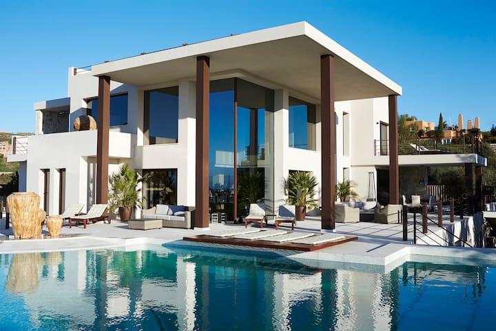 New 1.000 m2 villa, frontline golf - มาร์เบลล่า - วิลล่า