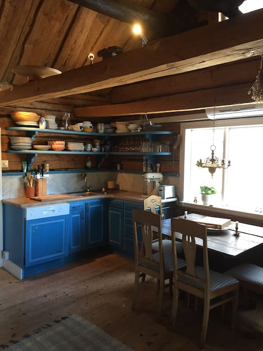 Fully equipped country style kitchen with dishwasher, conventional oven etc.