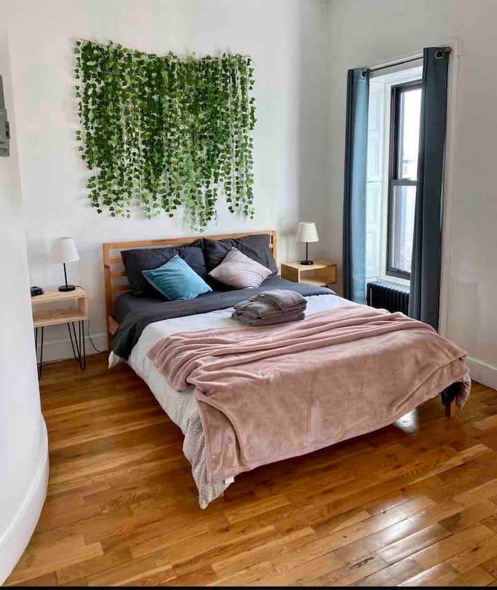 Brooklyn sun kissed studio apartment!