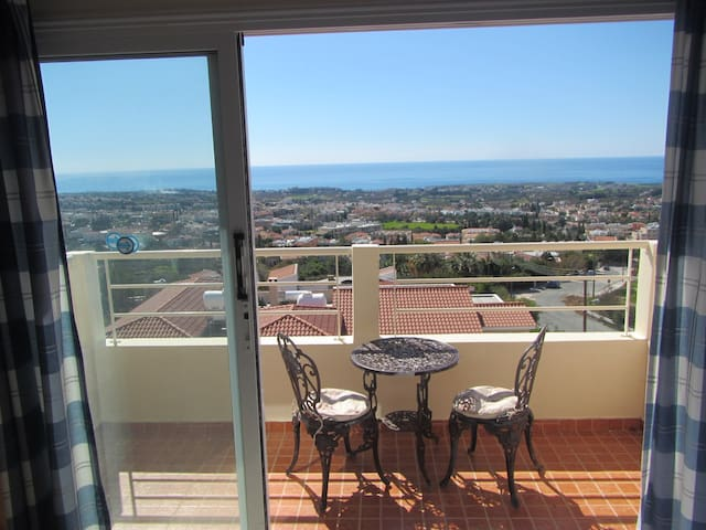 Studio in Peyia Center,stunning views,Coral Bay - Peyia - Daire