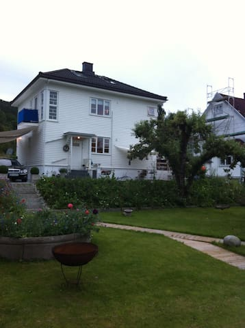 Charming Family House. - Drammen - Rumah