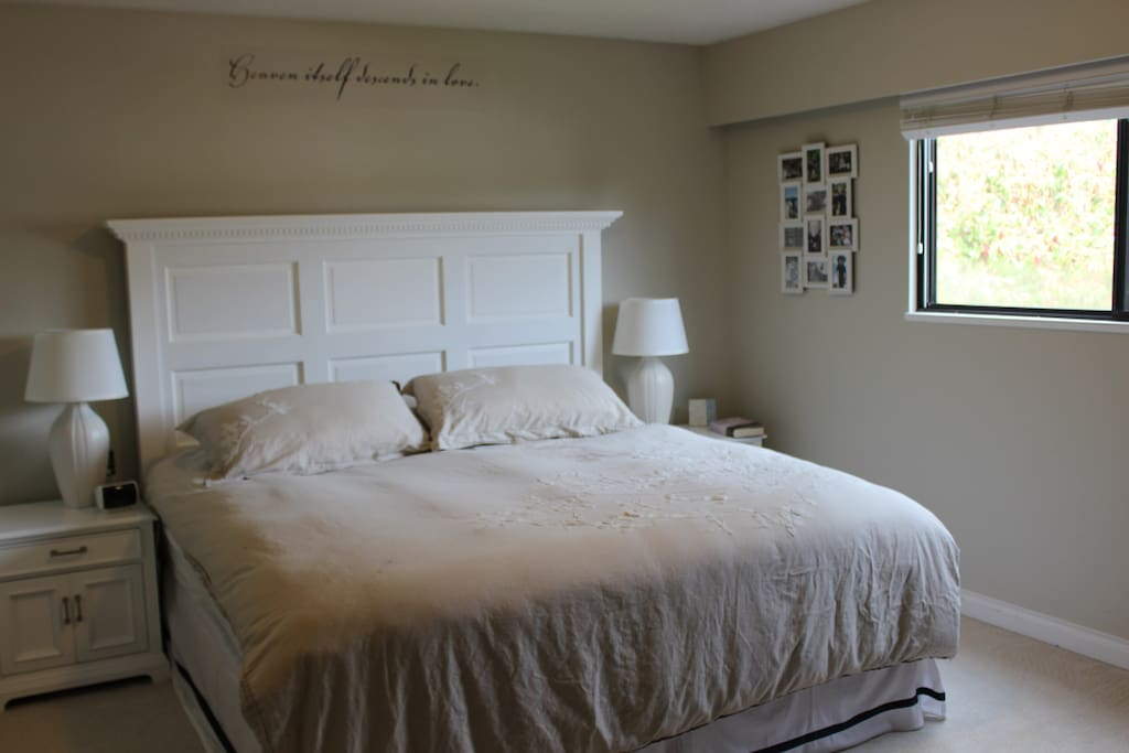 Master Bedroom - King Bed with ensuite