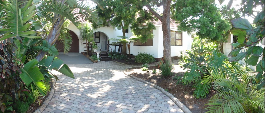 Lovely Garden Route cottage