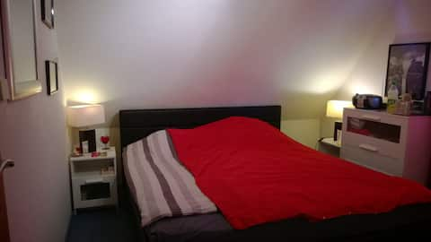 Small room - small price!