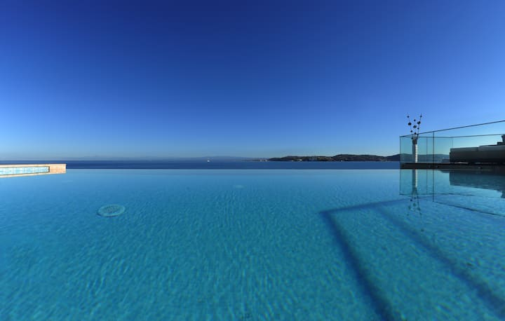 Villa Cablex III / Ruheoase mit beheiztem Pool