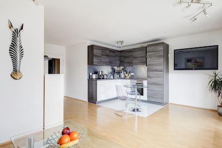 Modern apartment in quiet location - Apartemen