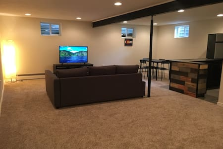 Private, Comfy, Modern, Spacious - Explore DEN - Lakewood
