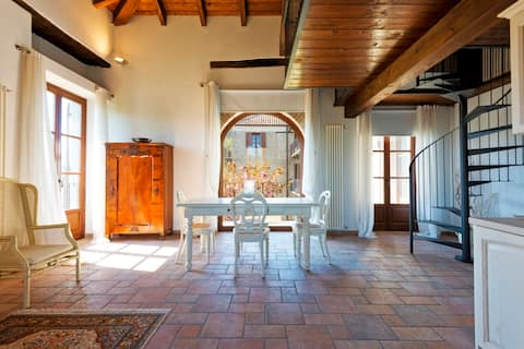 Cascina Scarrone - Luxury Apartment