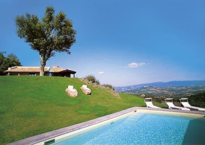 stunning villa with amazing views - Casemasce - วิลล่า