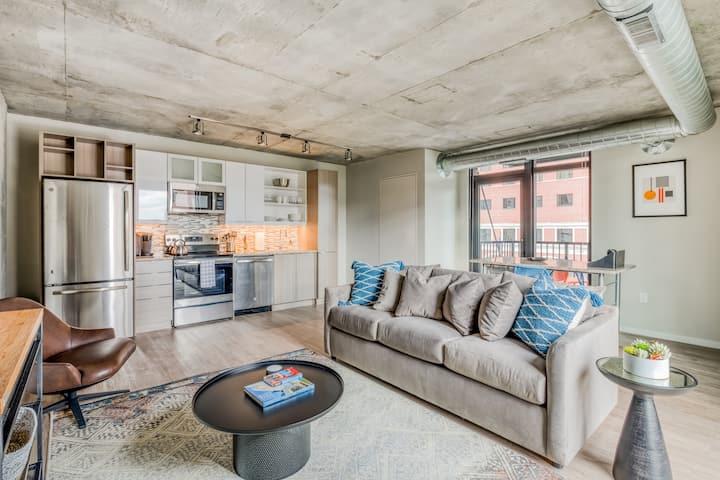 Mint House CBD Minneapolis: 2BR Apartment