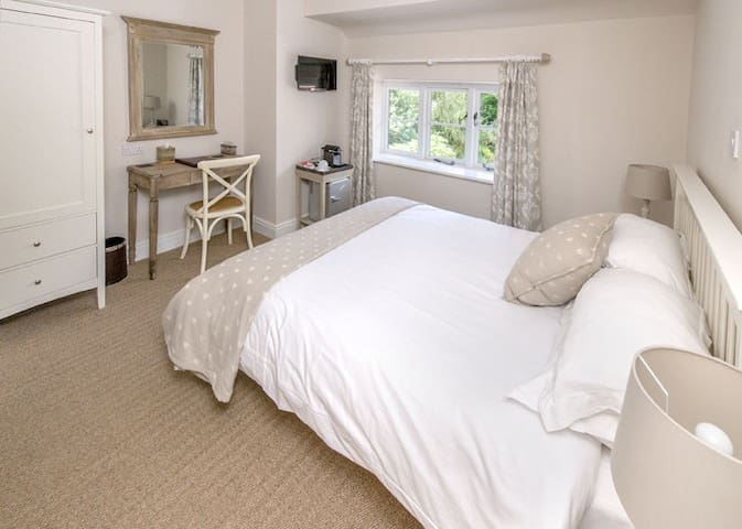 Langaller Manor House B&B - Cedar - Taunton