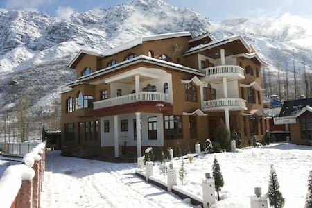 WELCOME TO HIMALAYAN RESORT - Srinagar - ที่พักพร้อมอาหารเช้า