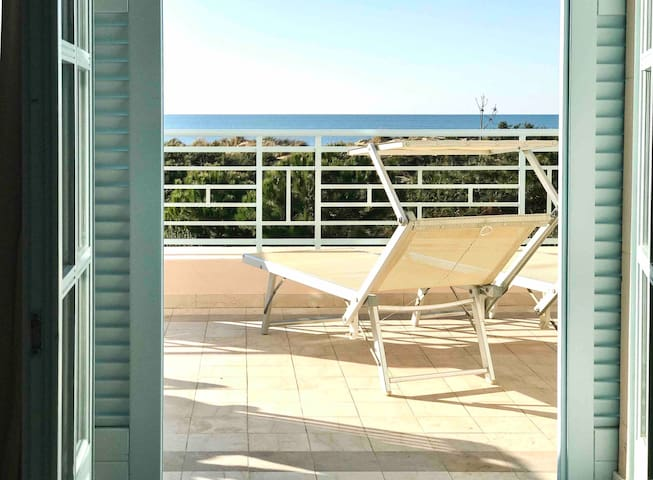 LOFT42 | Tuscany | Seafront with panoramic terrace