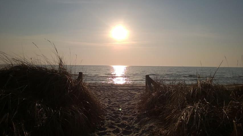 Sonnenanbeter - 50m bis zum Strand - Middelhagen - Appartement