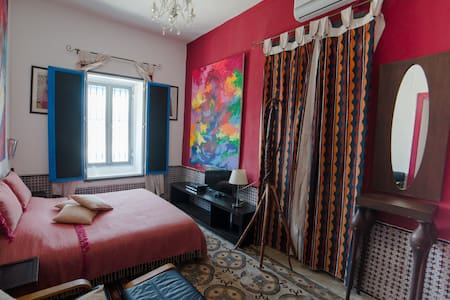 sidi bou said chambre bougainvilier - Bed & Breakfast