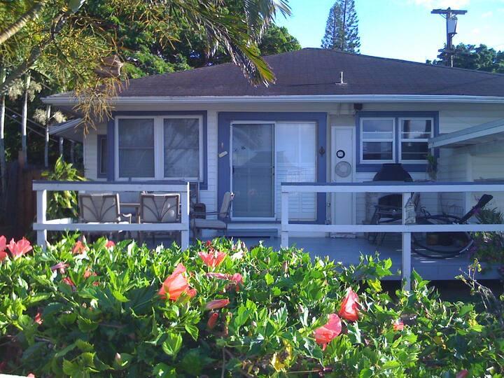 Quaint Haleiwa Boat Harbor House