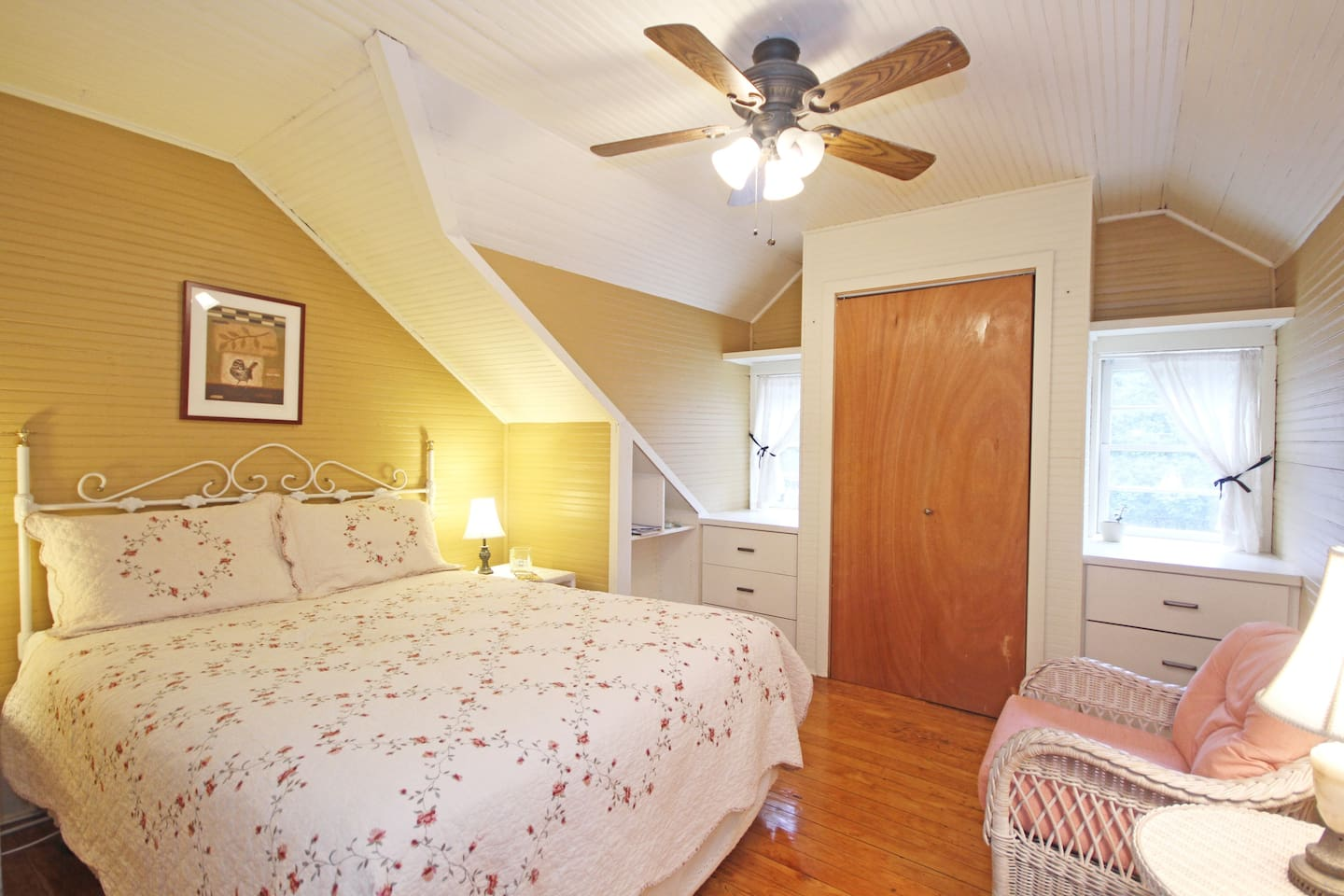 The gold room upstairs.  Your cozy home away from home.