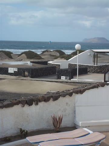 Bungalow TULIPA en Famara      - Teguise - Villa