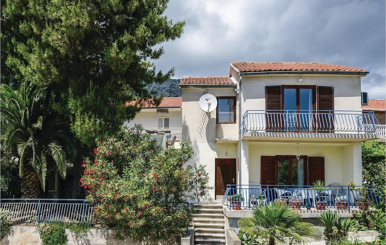 Holiday apartment with 1 bedroom on 43m² in Orebic