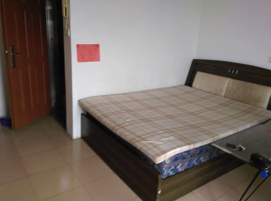 1.2米大床,夜间环境安静、安全