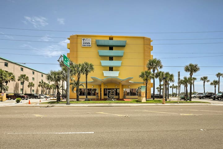 This unit is in Fountain Beach Resort and has accommodations for 4 guests.