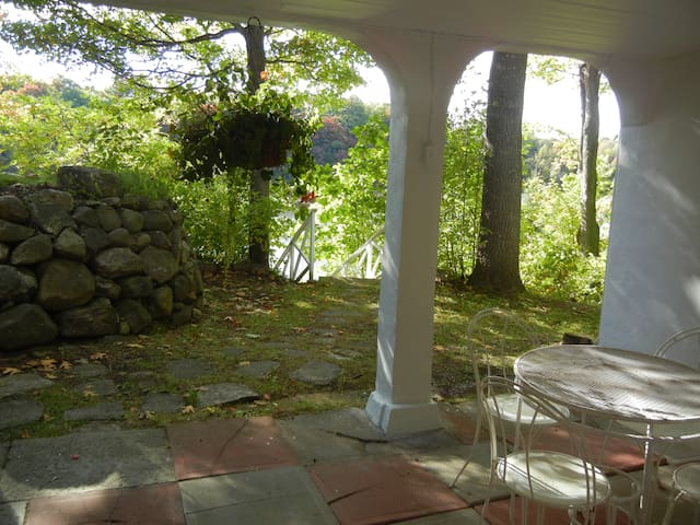 Lake Rawdon charming location - Rawdon - Daire