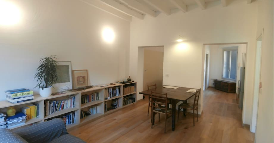 "cozy and friendly ""ringhiera"" flat - Milano - Leilighet"