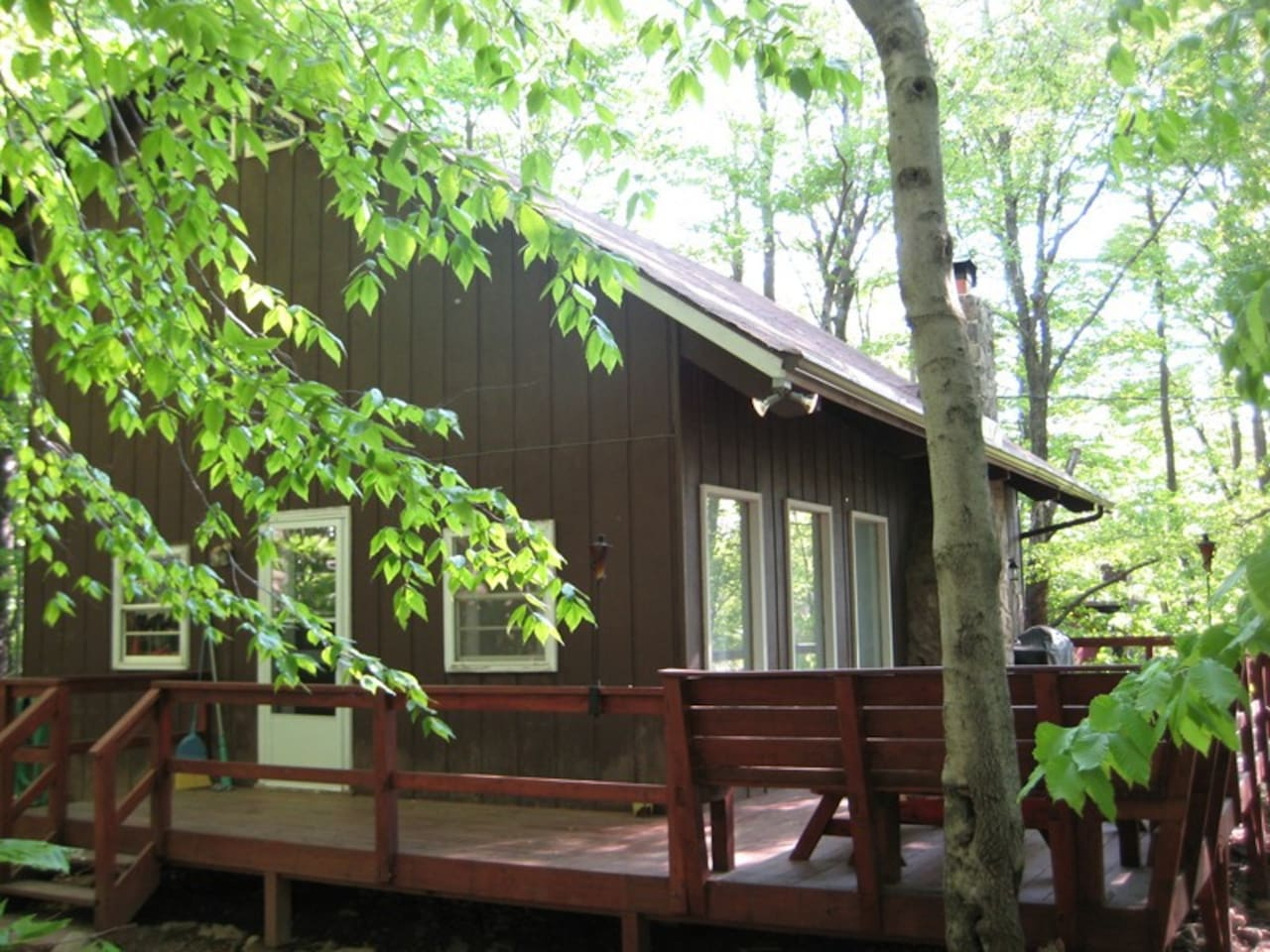 mountains mountain pool cabin q ha kitchen private cabins and beds lake pocono property wifi k new log