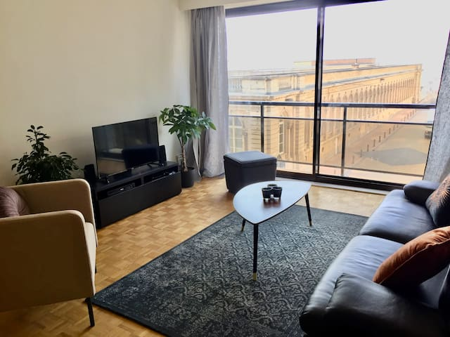 Sea view apartment close to the center
