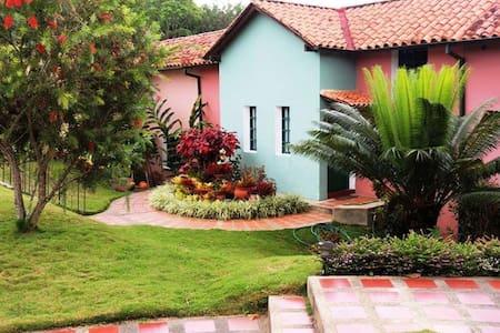 Villa Monteclaro Country Club - Caracas